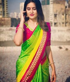 Kk i know mai bahar gum tha hu lakin i study n respect u yarrr this really i don't want to talk u i am really sad now Beautiful Girl Indian, Most Beautiful Indian Actress, Beautiful Girl Image, Beautiful Saree, Beautiful Women, Beautiful Gorgeous, Indian Beauty Saree, Indian Sarees, Indian Bollywood