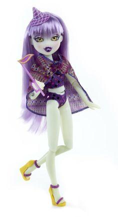 Amazon.com: Bratzillaz Midnight Beach Doll - Yasmina Clairvoya: Toys & Games