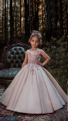 The Parma Flower Girl Dress For Wedding by MB Boutique Canada. This beautiful satin ball gown features squared neckline and floral lace appliques embellished with crystal rhinestones. , worldwide shipping from Canada Princess Flower Girl Dresses, Tulle Flower Girl, Little Girl Dresses, Girls Dresses, Pink Princess, Real Princess, Girls Party Dress, Birthday Dresses, Baby Dress