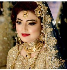 Styling Your Bridal Jewellery According To Your Face Shape - Shehnai Bridal Eye Makeup, Indian Bridal Makeup, Bridal Beauty, Bride Makeup, Wedding Beauty, Wedding Makeup, Bridal Hair, Pakistani Bridal Jewelry, Pakistani Wedding Outfits