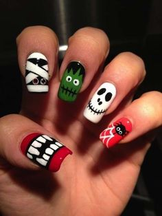 Are you looking for easy Halloween nail art designs for October for Halloween party? See our collection full of easy Halloween nail art designs ideas and get inspired! Holiday Nail Designs, Holiday Nail Art, Halloween Nail Designs, Nail Art Designs, Halloween Ideas, Scary Halloween, Nails Design, Halloween Mode, Halloween Party
