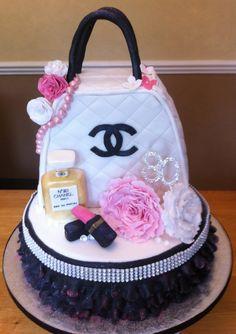 Chanel Handbag Cake with Accessories Beautiful Cakes, Amazing Cakes, Chanel Birthday Cake, Birthday Cakes, Happy Birthday, Channel Cake, Handbag Cakes, Purse Cakes, Easy Minecraft Cake