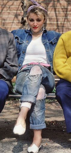 This Women's Jeans Trend Has Gone Too Far And It Needs To Stop . This Women's Jeans Trend Has Gone Too Far And It Needs To Stop woman's denim jacket - Woman Denim Jacket 80s Fashion Party, 1980s Fashion Trends, Fashion Outfits, Trendy Fashion, Style Fashion, Night Outfits, 80s Rock Fashion, Vintage Fashion, 1980s Fashion Grunge
