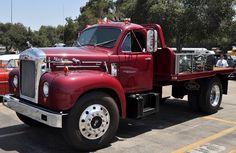 Old Mack Trucks, Big Rig Trucks, Mini Trucks, Custom Big Rigs, Custom Trucks, Farm Trucks, Pickup Trucks, Pick Up, Rigs For Sale