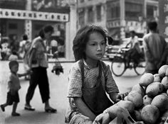 'Dreaming of a better future' an expression captured by internationally acclaimed photographer Fan Ho who was born in Shanghai but moved to Hong Kong in [jamezorlando] Fan Ho, Hong Kong, Man Ray, Blue Lotus, Street Photographers, Famous Photographers, Urban Life, Film Director, Guangzhou