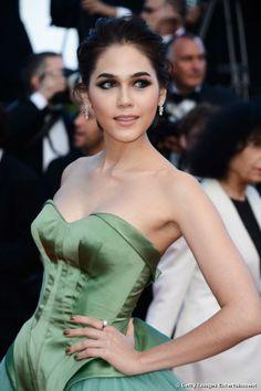 Thai/British  Actress Chompoo Araya A Hargate