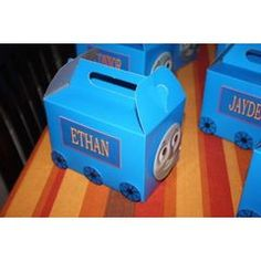 Thomas the Tank Engine goody bags idea. Candy bags. Treat boxes. Favor ideas.