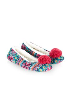Keep your toes toasty with our bright Fairisle ballerina slippers, topped with pom-poms. The soft faux fur lining creates a warm and comfortable fit.
