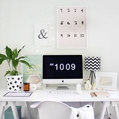 """Thursday let's do this ✔️ #mydesk #workspace #interiors"""
