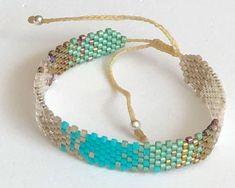 Ladrillo 45 Loom Bracelet Patterns, Bead Loom Bracelets, Bead Loom Patterns, Bracelet Crafts, Embroidery Jewelry, Bijoux Diy, Diy Earrings, Turquoise Bracelet, Beaded Jewelry