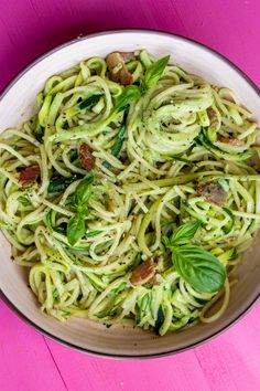 Still want a bowl of pasta but with fewer carbs? Swap half your normal portion of pasta with courgetti and make this simple but deliciously creamy bacon and spinach spaghetti dish. Super tasty and freezable so can be enjoyed over the week. Served with a garnish of basil - yum! #pastarecipes #bacon #courgetti   beatthebudget.com Yummy Pasta Recipes, Lunch Recipes, Easy Dinner Recipes, Noodle Recipes, Healthy Comfort Food, Healthy Meal Prep, Easy Pasta Dishes, Food Dishes, Creamy Spinach