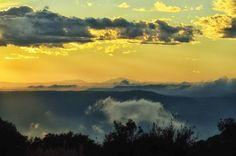 #pla_de_la_calma #montseny #barcelona #atardecer #sunset #clouds #nubes #coloresdeprimavera #springcolors #paisaje #landscape #atardecerenlamontaña #mountainsunset #natureshots #naturelovers #naturelife #luz #light #effects #efectos #lighteffects #efectosdeluz #goodvibes #buenasvibraciones #freelife #freelifestyle #freespirit #mylifemyrules #gypsysoul
