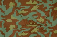 Telo Mimetico, the very first camouflage pattern. It was used by Italy from 1929 to the early 1990s and it inspired patterns used by Czechoslovakia and Norway. In 1941, Germany acquired this pattern and distributed it to the Waffen-SS operating on the Southern Front. After Italy surrendered in 1943, a lot of this fabric was captured and sent to all other German fronts.