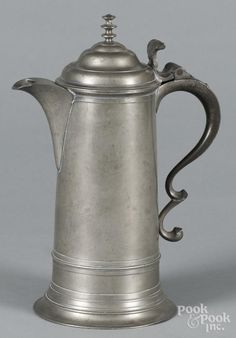 New York pewter flagon, ca. 1830, bearing the touch of Boardman & Co., 12 1/4'' h. - Price Estimate: $400 - $600 Pewter Art, Antique Pewter, Iron Decor, Life Photo, 4 H, Art Auction, Primitives, Teapots, Apothecary