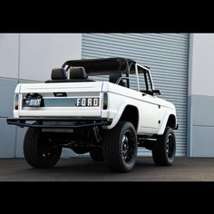 White ford classic bronco