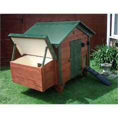 Pallet Wood Coop Plans (6-8 Chickens