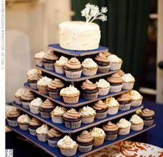 Wedding Cupcakes www.themodernjewishwedding.com