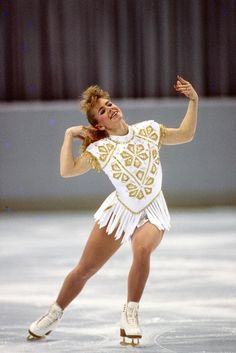 Harding at a US figure skating competition in Tonya Harding, Vanity Fair, Athlete Costume, Gq, Kurt Browning, Us Figure Skating, Ice Girls, Ice Skaters, Muscle Men