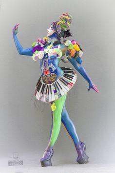 WBF 2014   SFX Bodypainting Qualification 'Pop Art'  Photography: Atelier 'et Lux' (Eve Lumière), Artist ID212: Moona Jin - South-Korea, Model: Julie Boehm