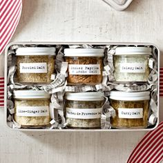 These Homemade Christmas Food Gifts Are Almost Too Cute to Eat (Almost!) – Sal de Flor por Camila Masullo These Homemade Christmas Food Gifts Are Almost Too Cute to Eat (Almost! Homemade Food Gifts, Diy Food Gifts, Homemade Spices, Homemade Seasonings, Edible Gifts, Gourmet Food Gifts, Christmas Food Gifts, Homemade Christmas, Christmas Diy