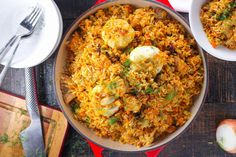 Paella, Fried Rice, Eat, Ethnic Recipes, Food, Red Peppers, Essen, Meals, Nasi Goreng