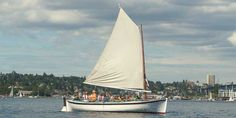 The Center For Wooden Boats offers free voyages on Lake Union on Sundays! Rides span from 45 minutes to 2 hours.  Can also rent rowboats for your own adventure!