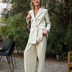 PATRIZIA CASARINI 🇮🇹 (@patzhunter) • Photos et vidéos Instagram V Instagram, Older Models, Casual Looks, 50th, Street Style, My Style, Coat, Jackets, Clothes