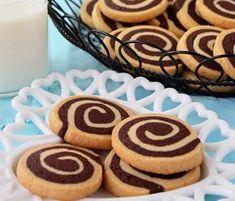 Sablés spirales au chocolat avec thermomix. Je vous propose une recette des Sablés spirales au chocolat, simple et facile à préparer avec le thermomix.