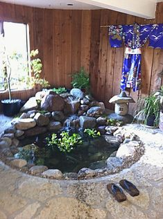 A superb fish pond design will enable the individual to plan a fish pond which is going to be attractive and won't be hard to look after. In the start, you might say you don't need any fish in the pond. Indoor Pond, Indoor Fountain, Pond Kits, Indoor Water Features, Indoor Waterfall, Garden Waterfall, Turtle Pond, Ponds Backyard, Garden Ponds
