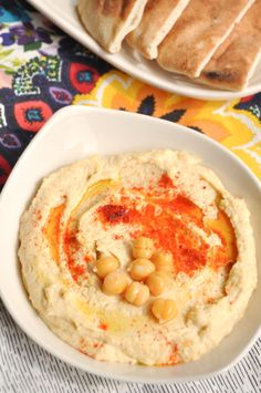 Hummus recipe: cups chickpeas 2 large cloves of garlic 4 tablespoons tahini juice of lemons 3 tablespoons olive oil teaspoon sweet paprika kosher salt Quick Meals, No Cook Meals, Humus Recipe, Sauces, Sandwiches, Good Food, Yummy Food, Easy Healthy Recipes, Healthy Dips