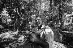 """O indiano Jadav """"Molai"""" Payeng dedicou a vida a plantar uma floresta na sua região natal, a ilha de Majuli. Hoje a área é maior do que o Central Park, e provavelmente a maior floresta do mundo criada pelo homem. Com o apelido de Molai's Wood (Floresta do Molai),  virou até documentário: http://www.kickstarter.com/projects/59012691/forest-man-post-production"""