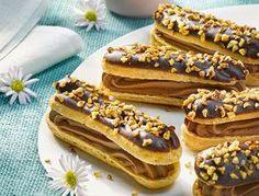 Schokoladen-Eclairs mit Schoko-Eierlikör-Crème My Dessert, Dessert Recipes, Fondant Cakes, Cupcake Cakes, Vegan Junk Food, Food Food, Choux Pastry, French Desserts, Vegan Smoothies