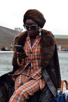 Pitti Uomo N° 93 in Florenz: female Dandy! Classic Looks, Classic Style, My Style, Dandy Style, New Wardrobe, Androgynous, Street Style Women, Fashion Fashion, Womens Fashion