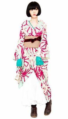 着物を洋服感覚で着こなしている人を見るとすてきだな、と思いませんか?従来の着物の感覚よりももっとカジュアルに、だけれど着物の良さも損なっていないモダン着物のすてきなコーデをご紹介します♡