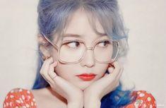 Image in ♡ Iu ♡ collection by ♡ Peach 🍑 pink♡ Korean Star, Korean Girl, Kpop Girl Groups, Kpop Girls, Snsd, Warner Music, Cartoon Girl Images, Art Anime, Popular People