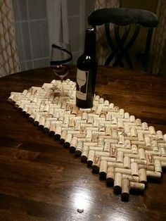 coolest wine cork crafts and diy decorating projects; christma… coolest wine cork crafts and diy decorating projects; easy wine cork ideas crafts for kids Wine Craft, Wine Cork Crafts, Wine Bottle Crafts, Crafts With Corks, Wooden Crafts, Recycled Crafts, Wine Cork Table, Wine Cork Art, Wine Cork Coasters