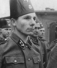 Miembros de la 13ª División de Montaña SS Handschar, europeos étnicos musulmanes, perfectamente de raza blanca.