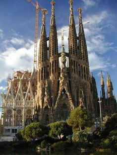 Guadi's Sagrada familia aka Saint family in Barcelona. Always wondered how is possible that harbor town as Barcelona was back then, had vision and also was brave to give Antonio Gaudi open hands. The Places Youll Go, Oh The Places You'll Go, Places To Visit, Barcelona Spain Attractions, Barcelona City, Gaudi Barcelona, Barcelona Catalonia, Antoni Gaudi, Spain And Portugal