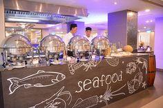 21459449259 86b9e1a761 - Khám phá những trải nghiệm tuyệt đỉnh của Grand Buffet tại nhà hàng Café Saigon