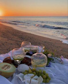 French Summer, European Summer, Italian Summer, Summer Of Love, Summer Beach, City Aesthetic, Summer Aesthetic, Travel Aesthetic, Flower Aesthetic