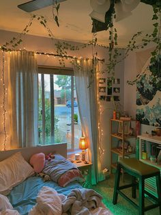 Dream Rooms, Dream Bedroom, Magical Bedroom, Room Ideas Bedroom, Cute Bedroom Ideas, Bedroom Decor, Pinterest Room Decor, Pastel Room, Indie Room