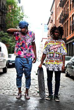 além de estilo de vida , virou estilo de moda.  cada vez mais forte no mercado, o skate vem sendo divulgado no mundo do desfile.  estampas afros incríveis.  ocarafashion.com
