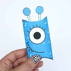 These cute monster pillow boxes are perfect for Halloween, party favors, or just for fun. Check out all 7 monster free printables.