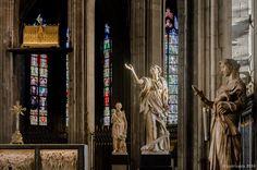 Standbeelden en reliekschrijn van de Heilige Waldetrudis (Bergen, België) / Statues and reliquary of St. Waltrude (Mons, Belgium) / Statues et châsse de sainte Waudru (Mons, Belgique) & http://patricedx.blogspot.be/search/label/Mons