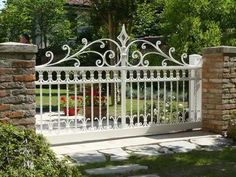 Whilst ancient in concept, your pergola has become going through a present day renaissance these Fence Gate Design, Steel Gate Design, Front Gate Design, Main Gate Design, House Gate Design, Door Design, Wrought Iron Driveway Gates, Iron Garden Gates, Porche