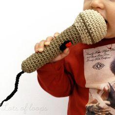 Micrófono sonajero. Listo para cantar por lotsofloops en Etsy, $24.00
