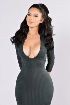 Available in Hunter Green Deep V 3/4 Sleeves Open Back Ribbed 95% Polyester, 5% Spandex