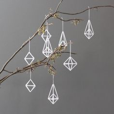 AMradio_modern himmeli ornaments / set of 8 / hanging mobile Minimalist Christmas, Modern Christmas, All Things Christmas, Holiday Ornaments, Holiday Crafts, Christmas Decorations, White Ornaments, Diy Ornaments, Holiday Decor