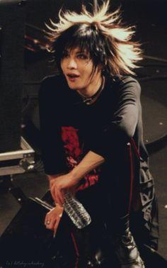 #toshiya of #direngrey Grunge Goth, Punk Goth, Visual Kei, Pelo Emo, Pretty People, Beautiful People, Estilo Punk Rock, Harajuku, Dir En Grey