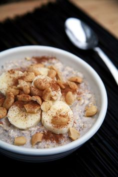 Not a fan of sugar in your oatmeal? Not at all into chalky-tasting protein powder? Then you'll love this low-sugar, high-protein overnight oatmeal recipe that's oh so creamy and naturally sweet. The s